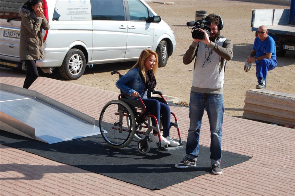 Experimentando con la accesibilidad necesaria para los minusválidos. Actividad con FAMDIF